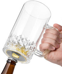 Pop n Pour Beer Mug With Bottle..
