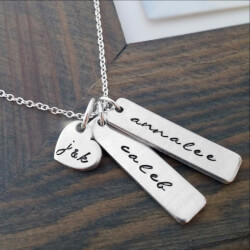 PERSONALIZED NECKLACE WITH KIDS..